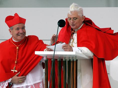 Kardinal Christoph Schönborn und Papst Benedikt XVI.