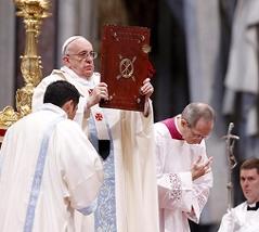 Papst Franziskus zelebriert die Neujahrsmesse im Petersdom