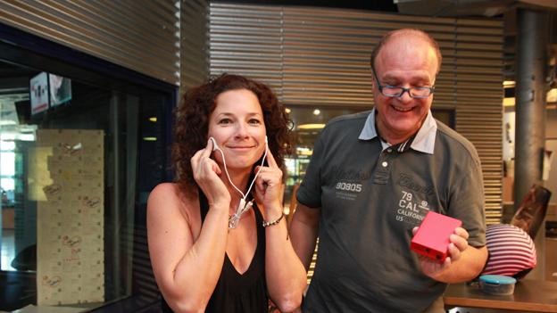 "Ö3-Wecker-Moderatorin Sandra König testet den ""Thinkman"""