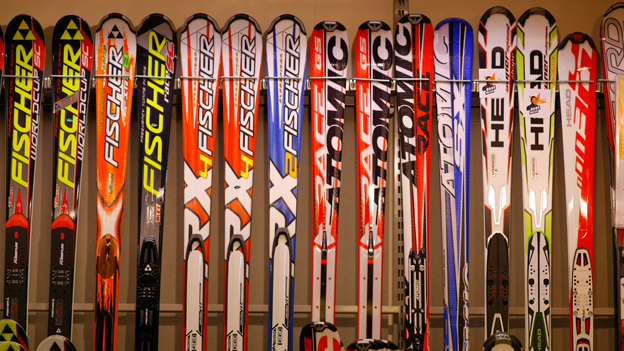 Verschiedene Carving Ski
