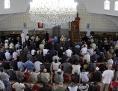 Freitagsgebet in der Moschee beim Hubertusdamm in Wien-Floridsdorf