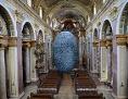 700 Meter schwerer Felsbrocken schwebt in Wiener Jesuitenkirche