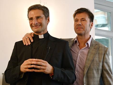 Monsignore Krzysztof Charamsa und sein Lebensgefährte