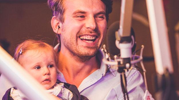 Tom Kamenar mit Tochter