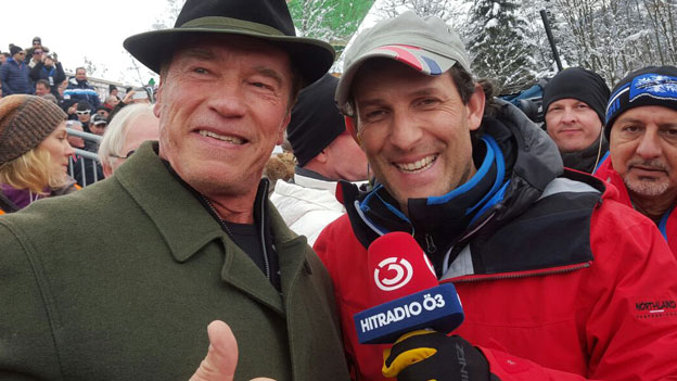 Arnold Schwarzenegger und Tom Walek lachen