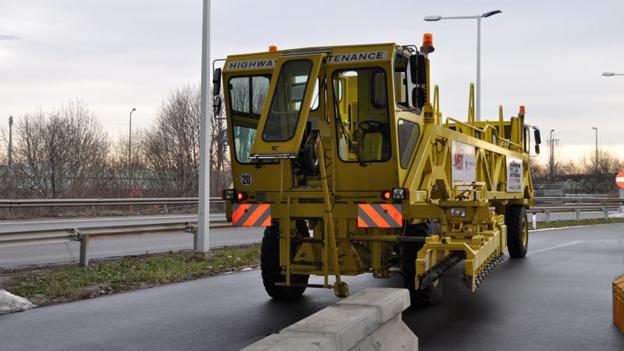 """Tangente wird saniert - """"Road Zipper"""" soll Behinderungen minimieren"""