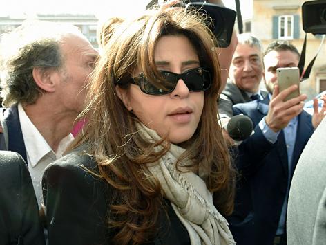 Die italienische PR-Agentin Francesca Chaouqui auf dem Weg zum Gericht im Vatikan