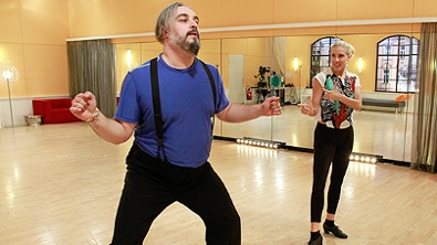 Georgij Makazaria und Maria Santner proben den Cha Cha Cha