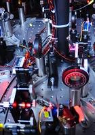 Im Physiklabor:Versuchsaufbau von Quantenforschern