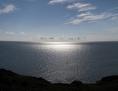 Die Sonne spiegelt sich im Mittelmeer.