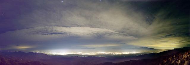Lichtverschmutzung über den Joshua Tree National Park