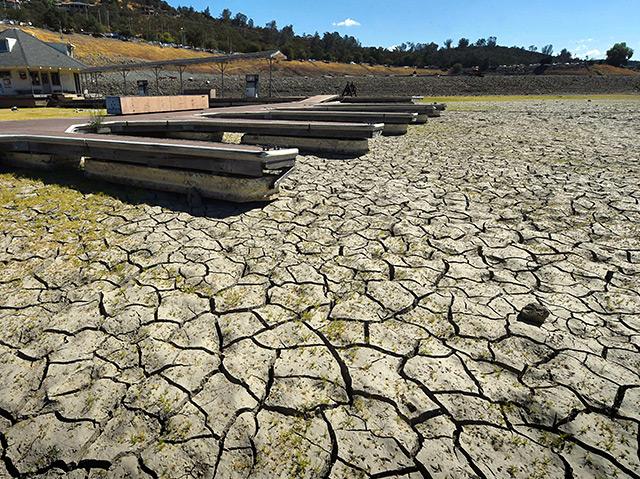 Wassermangel: Ausgetrockneter See in Kalifornien