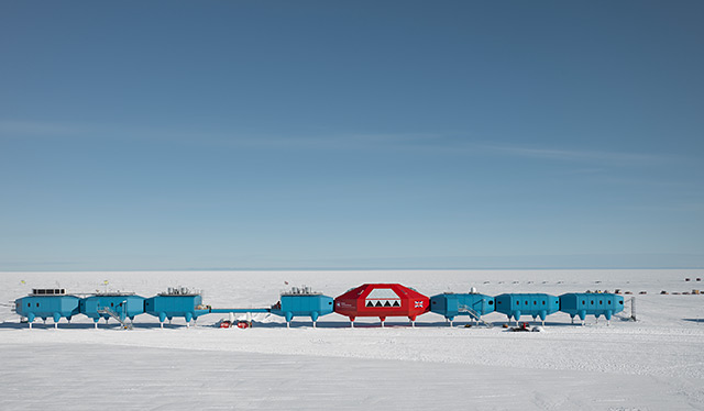 Polarstation Halley VI bei Schönwetter