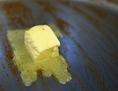 Butte schmilzt im Topf