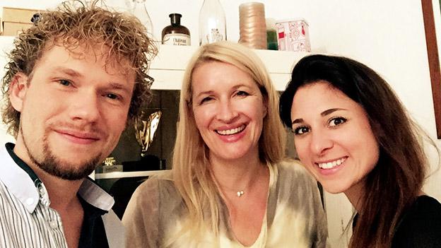 Thommy Ten und Amelie van Tass mit Claudia Stöckl