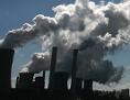 Schlote eines Kohlekraftwerks