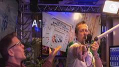 """Robert und Andi lipsyncen """"You"""" im Ö3-Weihnachtswunder-Studio"""