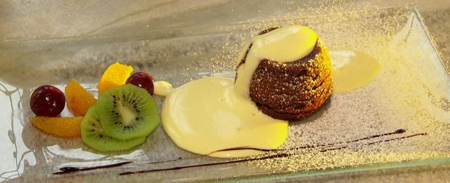 Erdäpfel-Schoko-Souffle mit Amaretto-Sabyon