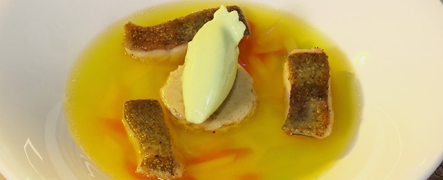 Fischsuppe und Räucherfischauflauf mit Gurken-Wasabi-Eis