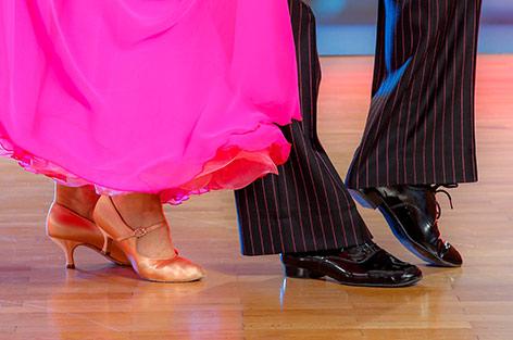 Beine eines Tanzpaares