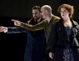 Im Bild: Regisseur Vincent Boussard probt Otello mit Christa Mayer (Emilia) und Carlos Álvarez (Iago). Otello Osterfestspiele Salzburg 2016
