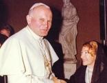 Im Bild: Papst Johannes Paul II. und Anna-Teresa Tymieniecka im Vatikan. kreuz und quer Der Papst und die Liebe