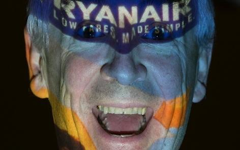 Michael O Learx - der exzentrische Boss von Ryanair in Joker Pose