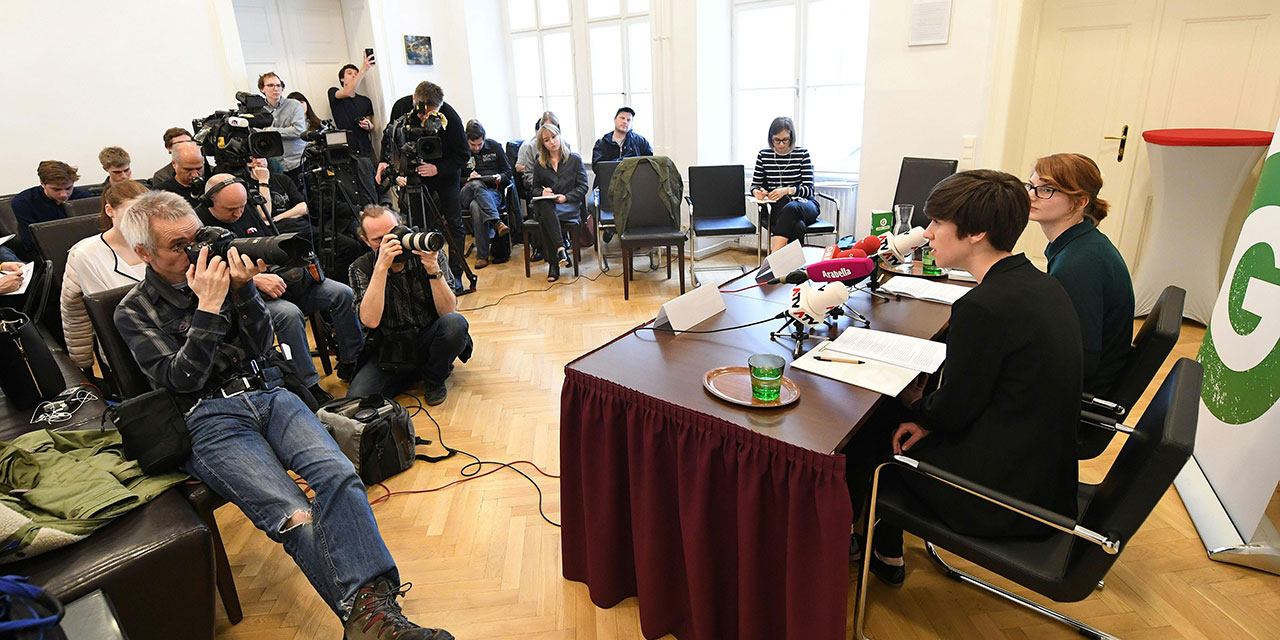 Pressekonferenz der Jungen Grünen mit Flora Petrik