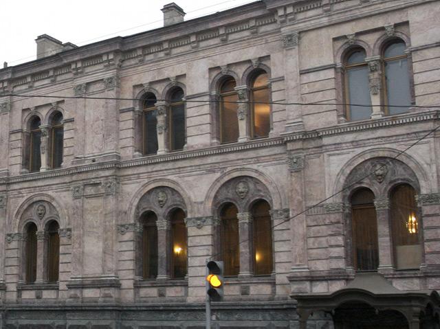 European University St. Petersburg, Fassade