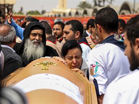 Trauerfeier um beim Anschlag auf Kirchen am Palmsonntag getötete Kopten in Alexandria, Ägypten