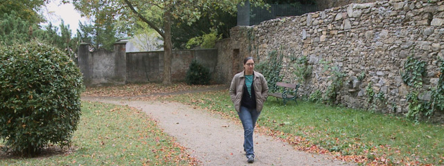 Frau auf der Flucht