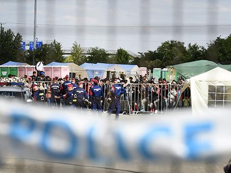 Flüchtlingslager in Röszke, Ungarn