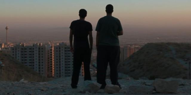 """Szenenbild aus """"Raving Iran"""""""