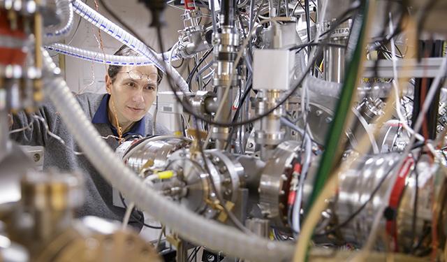 Markus Arndt im Labor