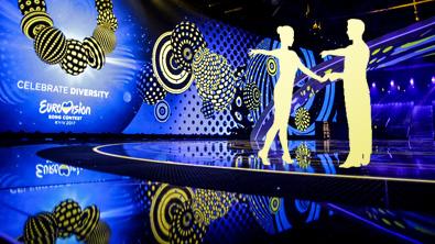 ESC-Bühne mit Tanzpaar