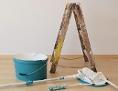 Farbe und Malerausrüstung in Wohnung