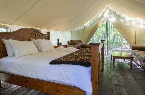 Camping-Zelt mit Doppelbett