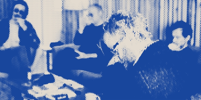 blau gerastertes Foto der Band