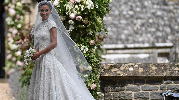 """... """" / Story : """"Alle Welt schaute auf Pippa Middletons Brautkleid"""
