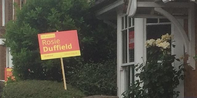 Wahlwerbung für die Labour-Kandidatin Rosie Duffield in Canterbury
