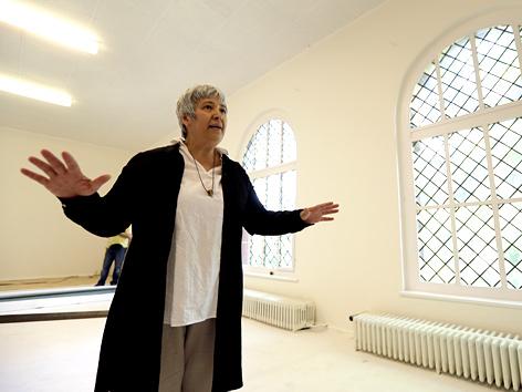 Seyran Ates in ihrer neu eröffneten Moschee in Berlin