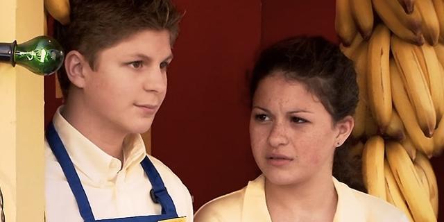 "Michael Cera und Alia Shakwat in ""Arrested Development"""
