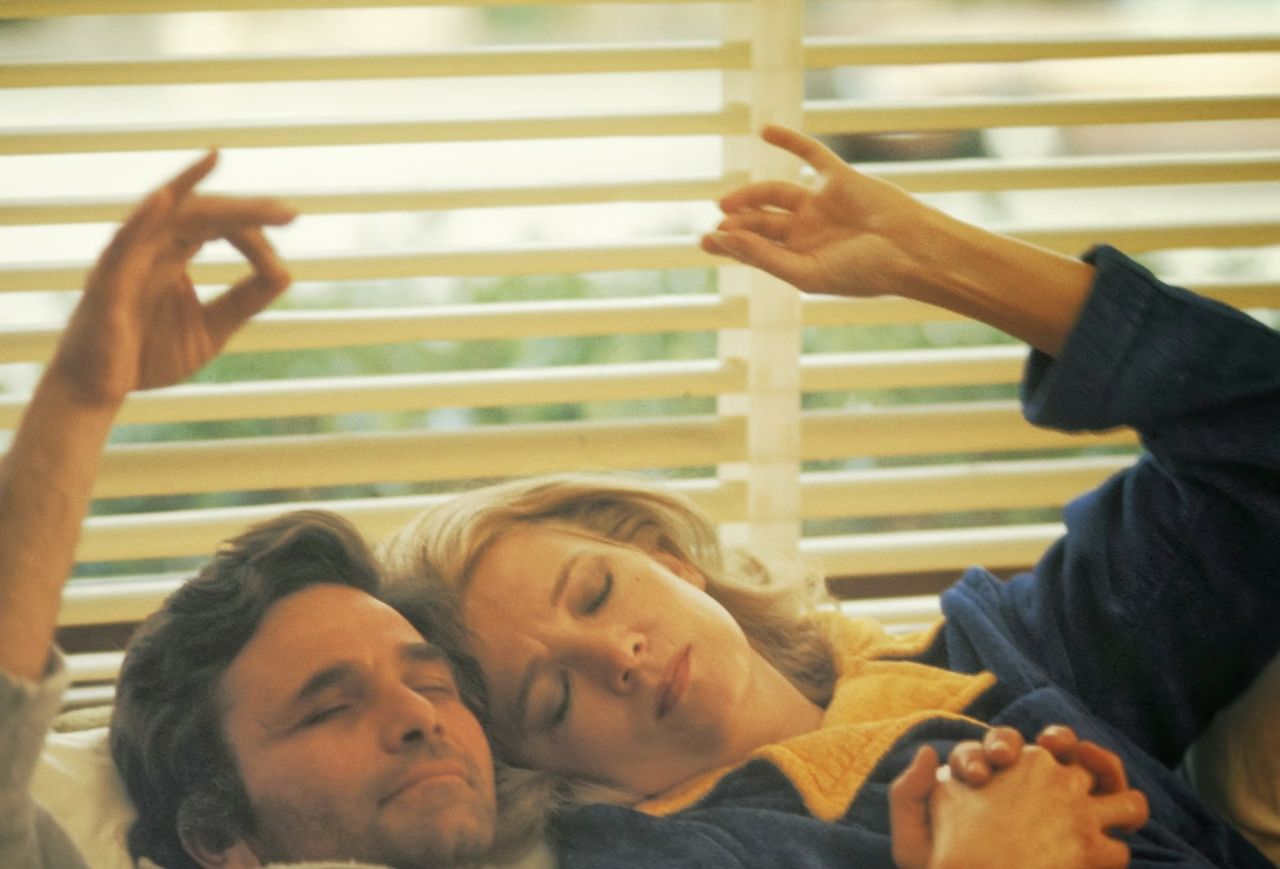 "Gena Rowlands und Peter Falk in ""A Woman under the Influence"""