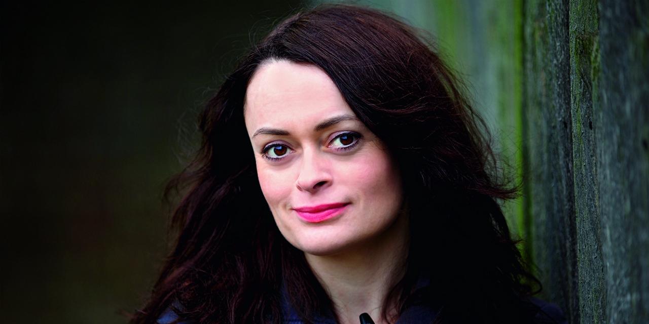 Die irische Autorin Jess Kidd im Portrait