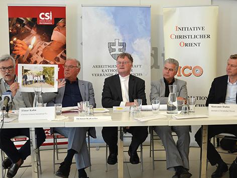 v.l.n.r.: Elmar Kuhn, Helmut Kukacka, Bischof Manfred Scheuer, Herbert Rechberger Slawomir Dadas
