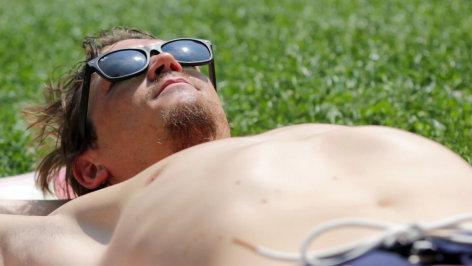 treffpunkt medizin  Unsere Haut: Die Schattenseiten des Sonnenlichts