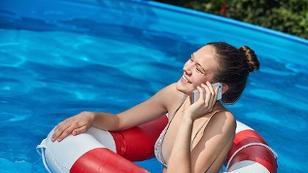 Handy im Wasser