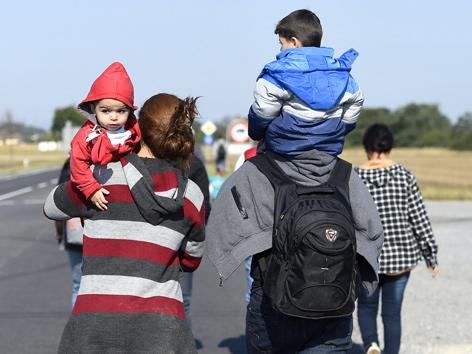 Flüchtlinge 2015 an der österreichischen Grenze in Nickelsdorf im Burgenland