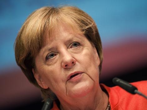 Weltfriedenstreffen Merkel Eröffnung