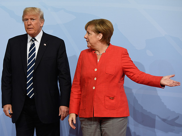 Donald Trump beim G-20-Gipfel im Juli 2017 mit Angela Merkel
